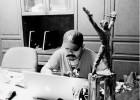Catatan Perjalanan Penulis Buku Bergenre Reportase Sejarah
