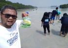 JCI dan Komunitas Lingkungan Aksi Bersihkan Sampah di Pulau Pari