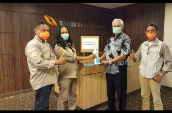 Pokja Salarea, Kodim Garut dan UIN SGD Bandung Salurkan Hand Sanitizer Bantuan dari Tahir Foundation