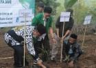 Kemnaker Resmikan Pipanisasi Air Bersih dan Tanam Jahe di Garut