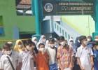 New Normal, Pokja Salarea Salurkan Bantuan Masker dari Tahir Foudation ke Sekolah