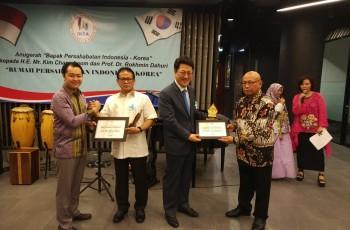 Anugrah Bapak Persahabatan Indonesia-Korea untuk Prof. Rokhmin Dahuri
